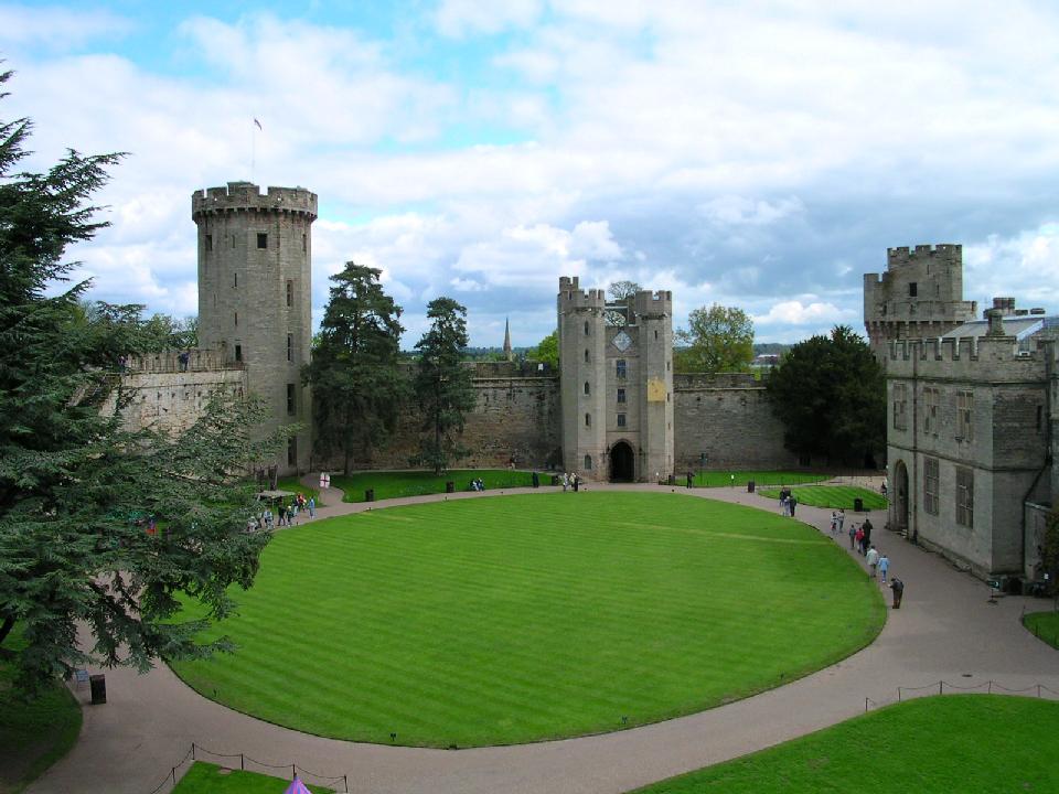 Какие замки можно купить в англии